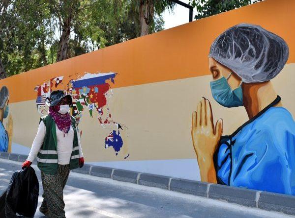 Mersin duvarlarında sağlık çalışanlarını yansıtan grafiti