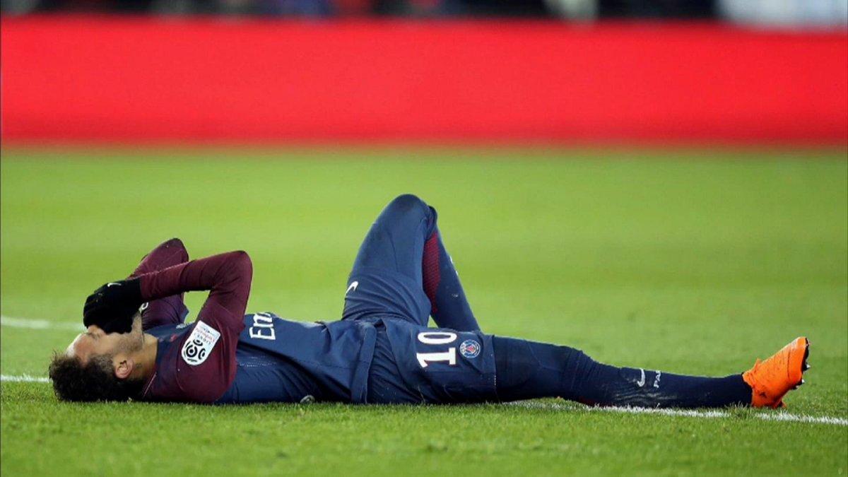 Neymar, Barcelona maçında yok #1