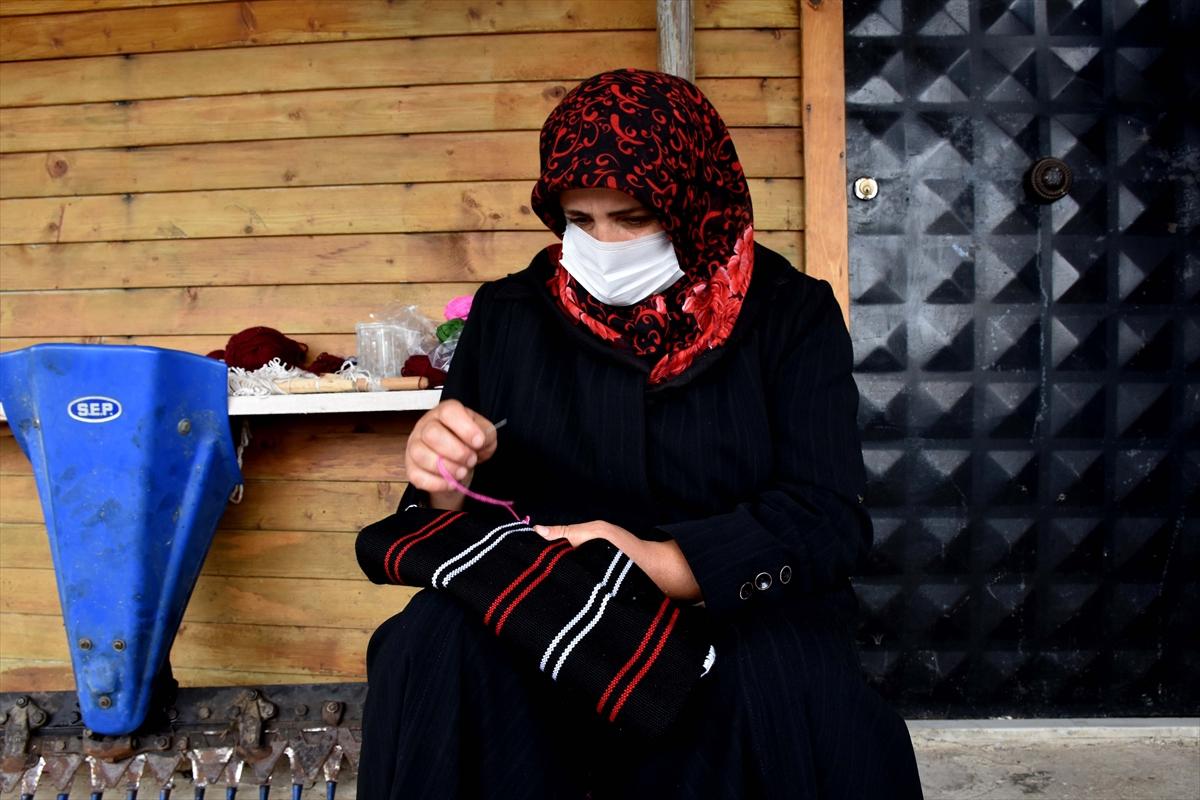 Trabzonlu gelin-görümce, asırlık tezgahta hemençe örüyor #2